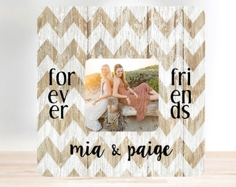 ON SALE  Friend Gift Best Friend  Picture Frame  Forever Friends Personalized Picture Frame