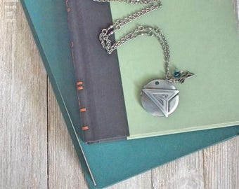 "Silver ""Green Arrow"" Locket 
