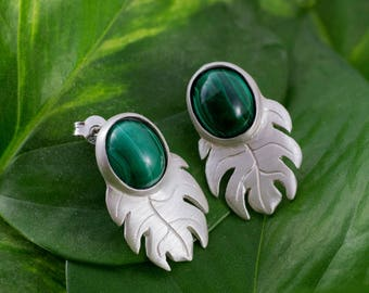 malachite silver earrings . philodendron earrings, leaf, nature inspiration, organic shape, cabochon gemstone earrings, green stone, fairy