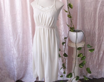 Cream vintage nightgown / / nightdress color cream strapless and details