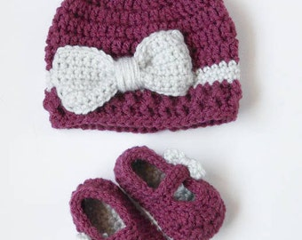 Crochet Baby Bow Hat and Booties Set in Purple and Grey by CarolinaCraftGirl312