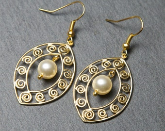 Gold pearl earrings. Swarovski Pearl Earrings. Big gold earrings.