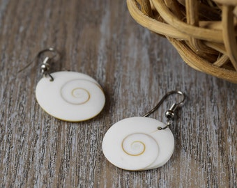 4cm Spiral SHELL Earrings - Natural Seashell Earrings - Shell Jewelry with Sterling Silver Spiral Earrings J472