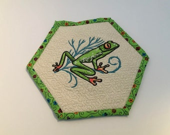 Hexagon Frog Trivet