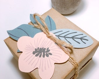 11 flower+leaf tags,gift tags,flower tags,favor tags,floral tags,flower,leaf,paper decor,scrapbook,gift decor,tags,cute tags,cute gift