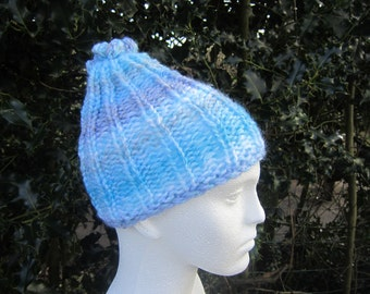 Blue beanie, slouchy, hat with knot on top. Boy's or girl's hat. Kid's slouchy beanie hat. Bright blue knitted hat