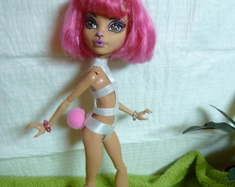 Big Bunny Bum Bum - OOAK Monster High custom repaint doll with pink hair, molded bunny ears and two complete outfits