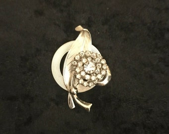 Beautiful Vintage Silver Tone Rhinestone Flower  and Leaf Brooch