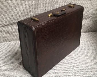 Vintage Samsonite faux alligator large suitcase C. 1950s dark brown hard side two suiter suitcase