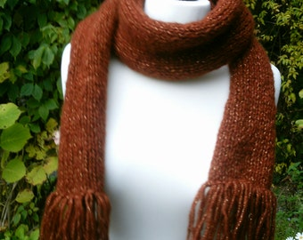 Knitting scarf brown-gold, with fringes