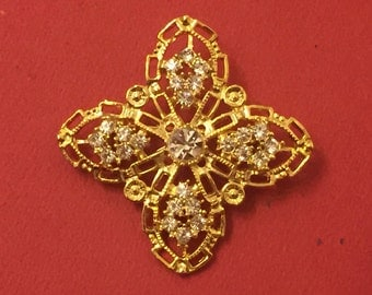 Vintage Gold Four Pointed Brooch with Crystals