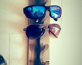 Weathered Sunglasses Rack / Key Rack / Key hook / Coat Rack / Coat hook / Recycled pallet wood / Shabby Chic