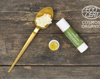 Organic lip balm to hemp oil