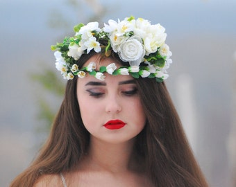 White Wedding flower crown Flower crown Bridal hair wreath Bridesmaid headband Bridal flower crown Bohemian flower crown Flower headband