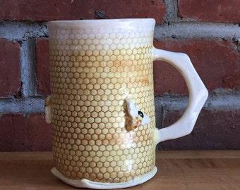 Bee mug.