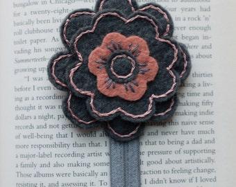 Felt flower bookmark elastic - teacher gift - book club gift - planner accessories - unique bookmark - handmade - birthday gift - book lover