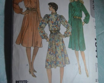 McCalls 7844 Misses Dress Sewing Pattern - UNCUT - Size 12 Bust 34 - Pullover Dress with Stand up collar