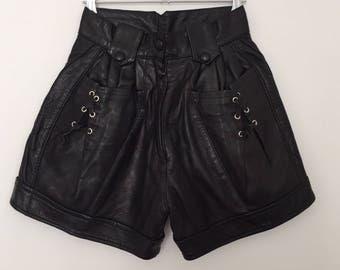 Vintage leather shorts / leather shorts / high waisted shorts / vintage shorts / black shorts / hippie shorts / 80s shorts / 80s clothing