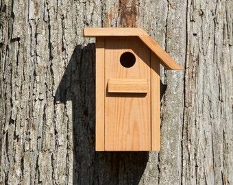 Tufted Titmouse - Cedar bird house
