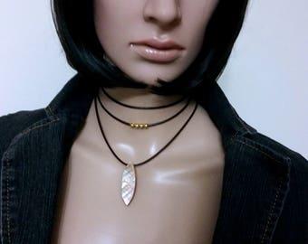 Leather Choker, Layering Choker Necklace, Brown Leather Choker, Charm Choker, Natural Shell Leaf Pendant Choker, Boho Necklace, Women Choker