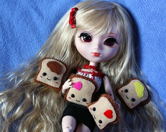 Cushion the Toast Pillow for Blythe, Pullip, ...