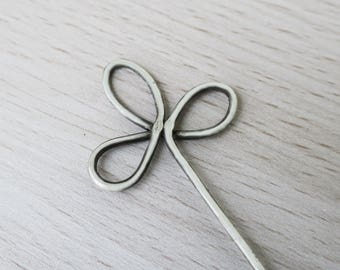Trinity Clover Loops Silver Wire Brooch, Hair Stick, Shawl Pin, Bun Holder, Hair Pin, Long Hair Accessories, Pinback Buttons, Women Knitting
