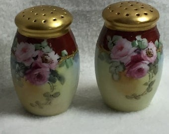 Salt and Pepper - Hand-painted from Austria - Roses with Gold Tops (#009)