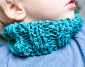 Children hooked, tube scarf, tube scarf, knit look
