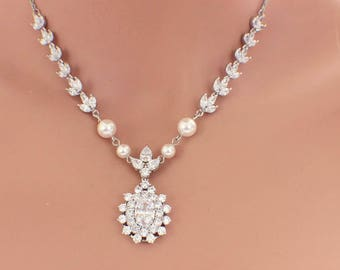 Wedding pearl necklace, bridal jewelry, pearl backdrop necklace, wedding jewelry, cubic zirconia necklace, pearl bridal jewelry, Swarovski