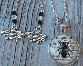 Bee-you-tiful Neckace (Necklace Only)