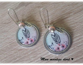 Cabochon earrings pink flowers and feathers