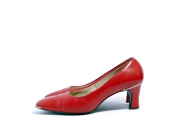 Size 8.5 M // Vintage D' Salenti Shoes// Red Leather Medium Heel Shoes// Round Toe Red Pumps// 202
