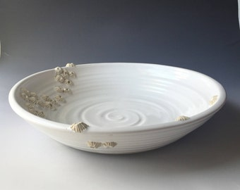 Large Serving Bowl with Barnalces