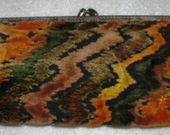 Vintage 1970's Clutch Carpet Bag  Ladies Purse, Velour  Handbag, Tapestry colorful Autumn fall colors, Fashionista retro 70's fashions