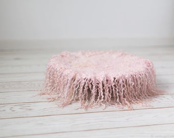 Curly felted blanket layer Round blanket Newborn photography props Wool layer Curls nest stuffer Light pink soft salmon woolen blanket wool