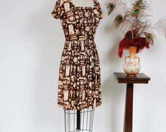 Vintage 1950s Dress -  Cute Nylon Jersey Tikiesque Cocktail Dress in Rich Brown Abstract Print