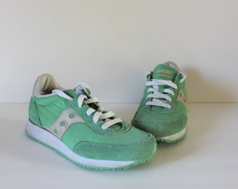 VINTAGE green Saucony sneakers / vintage sneakers / green sneakers / Saucony / 70s shoes / green shoes