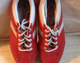 Vintage Sneakers Levi's Leather Tie Sneakers Red Orange US 7 Euro 38 UK 5