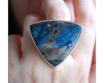 Colla Ring- Blue Petrified Wood