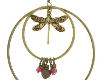 """Sautoir """"En suspension"""" corail rouge anneaux nacre laiton bronze chaine pompon classique romantique fin leger libellule insecte"""