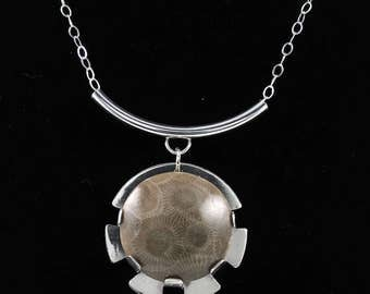 Petoskey stone pendant necklace with sterling silver N1787