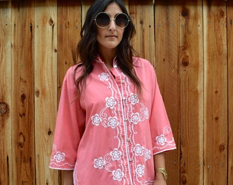 Vintage 70s BOHO EMBROIDERED Salmon Colored Button Up Tunic M