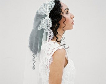 Lace Juliet Cap Wedding Veil, Silk Fingertip Bridal Veil, Long Romantic Vintage Veil, Silk Cathedral Veil, Traditional Ivory Veil -Style 612