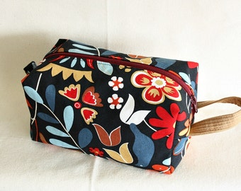 Floral medium toiletry bag/ pouch/ travel kit/project pouch - ready