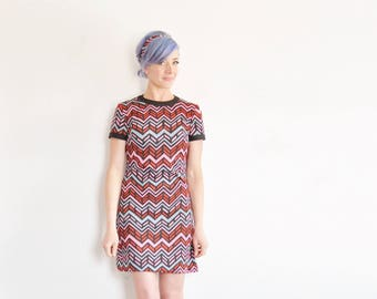 chevron striped 1960 mod mini dress . geometric print . matching belt sash scarf .extra small.small.xs .disaster relief