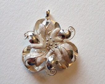 Delicate Silver Flower Brooch/Pendant
