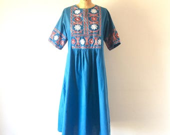 Vintage Floral Embroidered Dress Blue Cotton Ethnic Mexican Midi Dress M/L