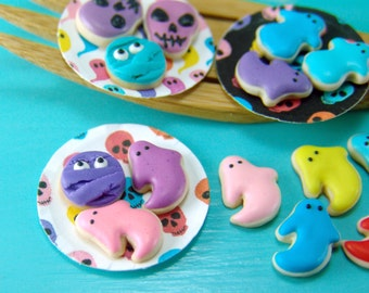 SALE Dollhouse Sweets // Halloween Cookie Set // 1:12 Scale Food // Miniature Sweets