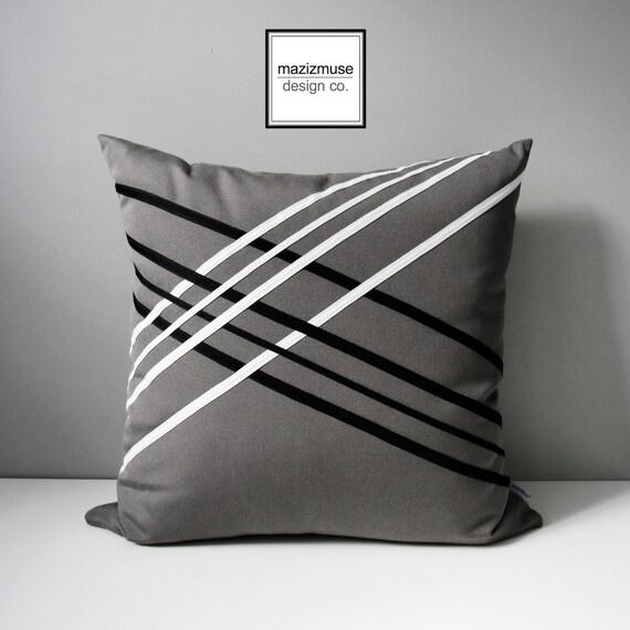 housse de coussin ext rieur gris noir blanc treillis. Black Bedroom Furniture Sets. Home Design Ideas