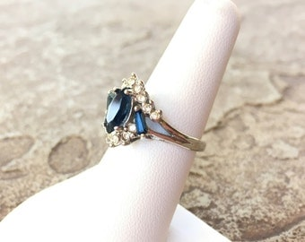 Blue Rhinestone Ring, Silver and Blue Ring, Blue and Silver Ring, Multistone Ring, Blue Gemstone Ring, Vintage Sapphire Ring, Size 7 Ring